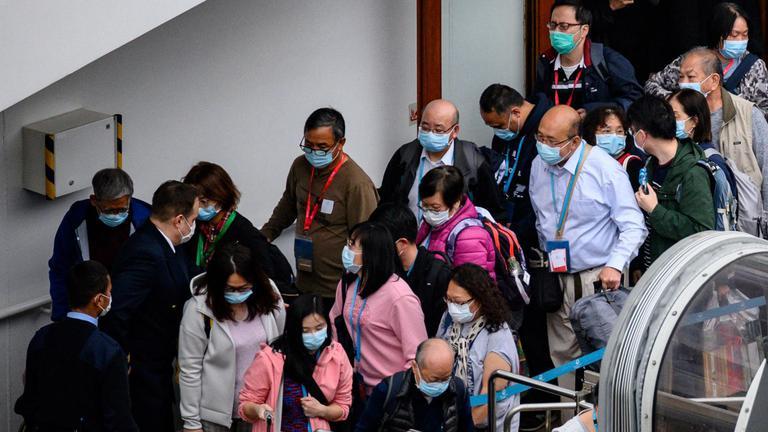 ยอดคนตายไวรัสโคโรนาทะลุ 800 คน