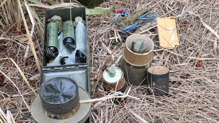 พบวัตถุระเบิด-อาวุธสงครามจำนวนมากใกล้ที่ประชุมครม.สัญจร