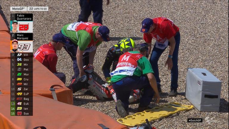 หลุดไปอีก 2 คน Takaaki Nakagami และ Valentino Rossi