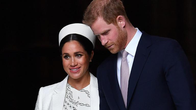 """""""เมแกน มาร์เคิล"""" มีพระประสูติกาล """"พระโอรส"""" รัชทายาทลำดับ 7 แห่งราชวงศ์อังกฤษ"""