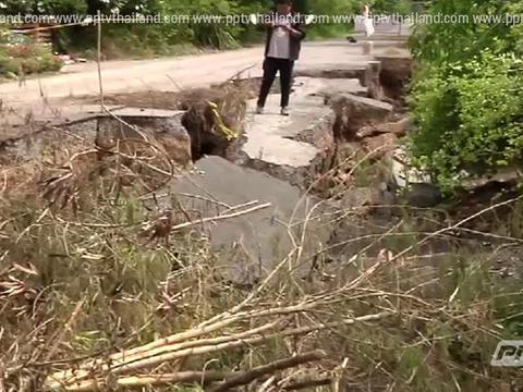 ปทุมธานี ถนนรุดแล้ว 15 แห่ง เร่งซ่อมแซมเพื่อเปิดเส้นทาง