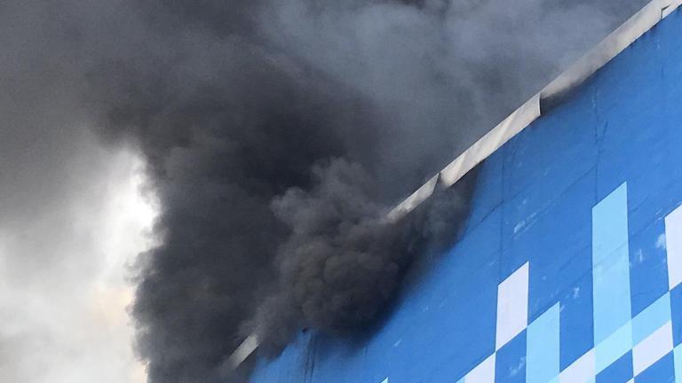 ไฟไหม้ห้างสรรพสินค้าเมเจอร์ ปิ่นเกล้า (คลิป)
