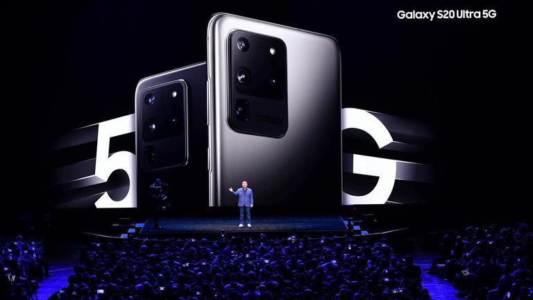 ซัมซุงเปิดตัวสมาร์ทโฟนจอพับได้ ราคากว่า 40,000 บาท
