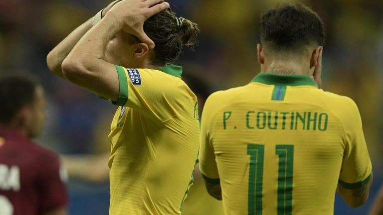 """แฟนบอลโห่ """"แข้งบราซิล"""" เสมอ """"เวเนซุเอล่า"""" 0-0"""