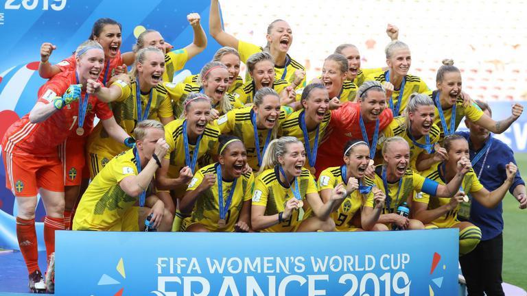 """""""สวีเดน"""" เฉือน """"อังกฤษ"""" 2-1 ซิวอันดับ 3 ฟุตบอลหญิงชิงแชมป์โลก 2019"""