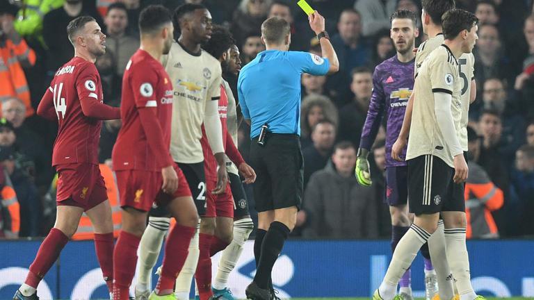 "FA ตั้งข้อหา ""แข้งแมนฯยูไนเต็ด"" คุมอารมณ์ไม่อยู่เกมแดงเดือด"