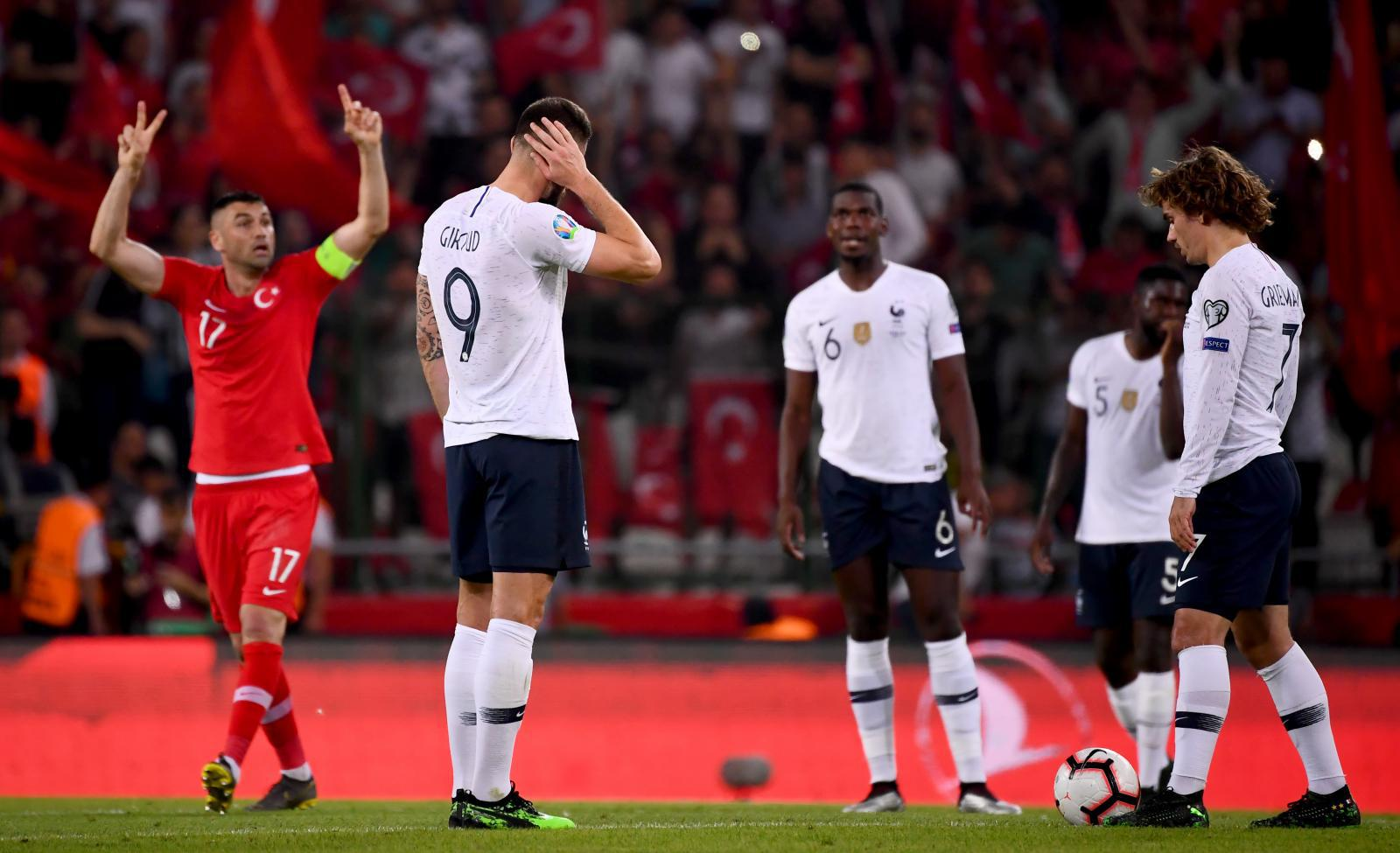 """แชมป์โลกพลาดท่า! """"ฝรั่งเศส"""" พ่าย """"ตุรกี"""" 0-2 ยูโรรอบคัดเลือก"""