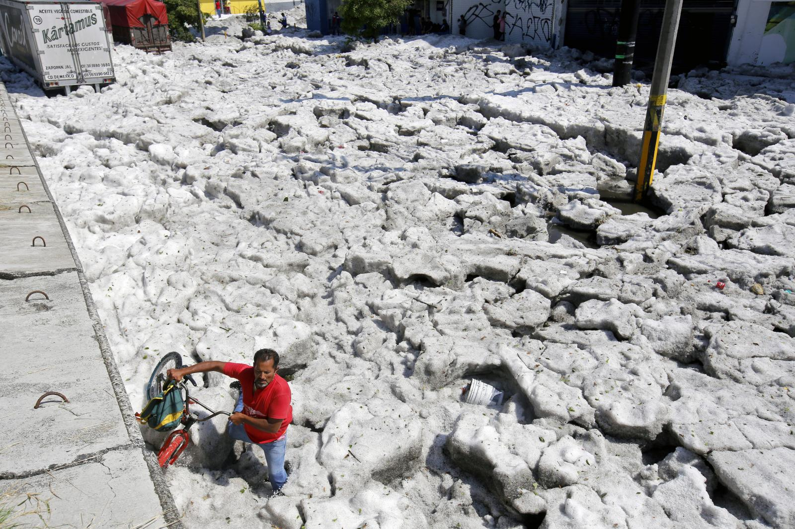 เม็กซิโกโดนพายุลูกเห็บถล่ม