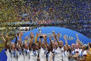 """""""สหรัฐฯ""""ชนะ  """"เนเธอร์แลนด์"""" 2-0 คว้าแชมป์บอลโลกหญิง"""