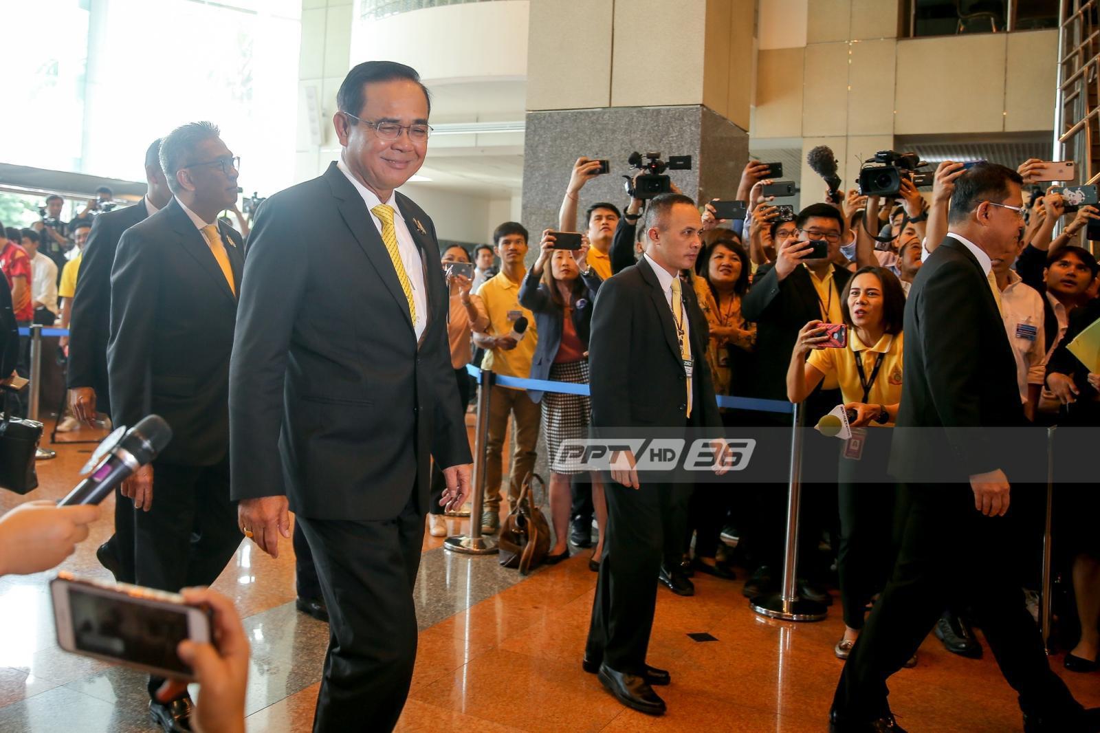 """""""ประยุทธ์"""" โพสต์อ้อน ปชช.ขอให้เชื่อมั่นรัฐบาล ลั่นพร้อมบริหารประเทศเพื่อคนไทยทุกคน"""