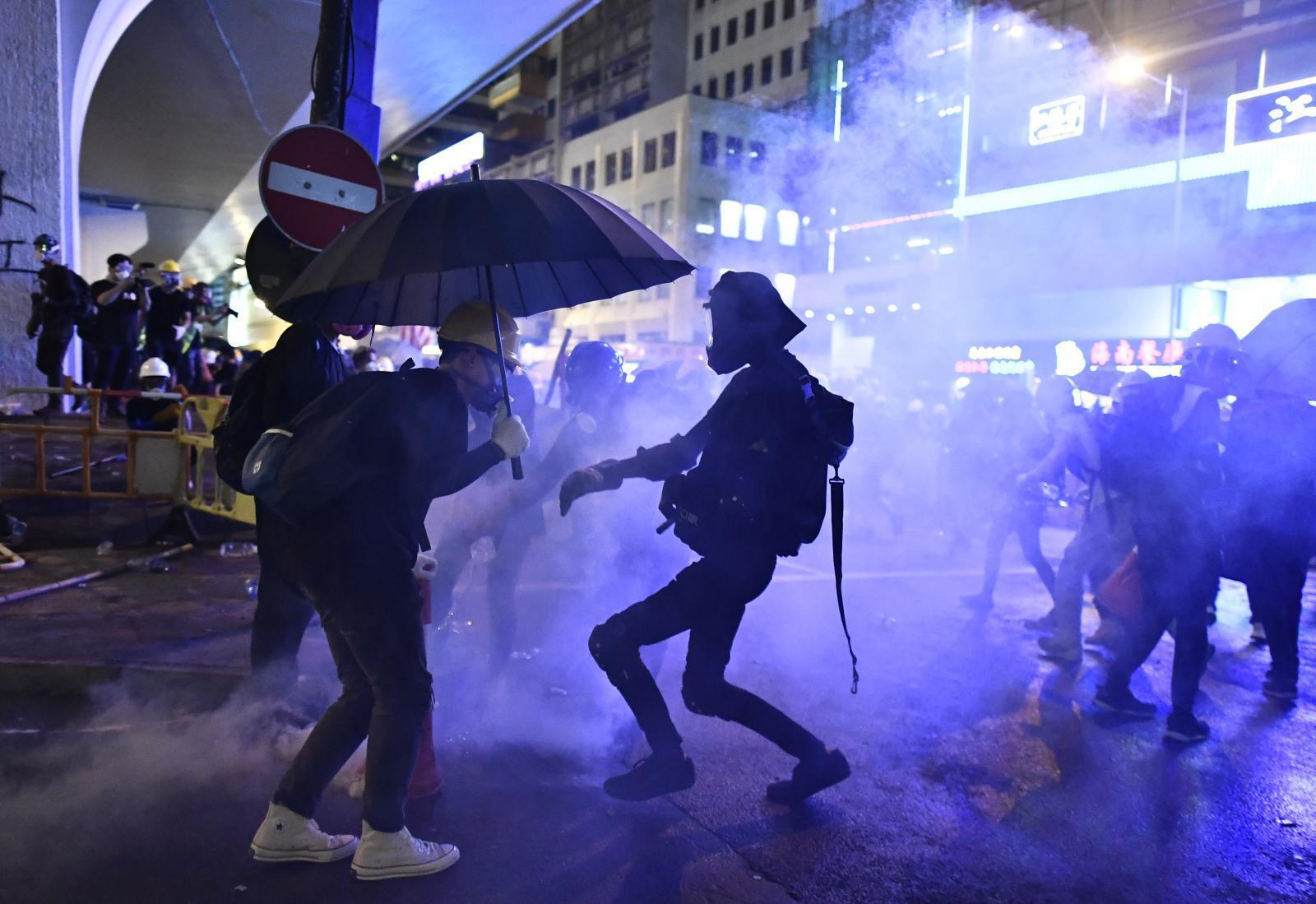 ส.ส.ประชาธิปไตยฮ่องกงชี้ถ้อยแถลงจีนเป็นการสุมไฟ