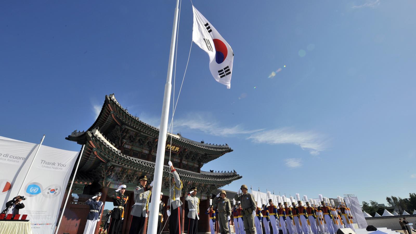 สองแม่ลูกผู้แปรพักตร์เกาหลีเหนือ อดตายที่เกาหลีใต้