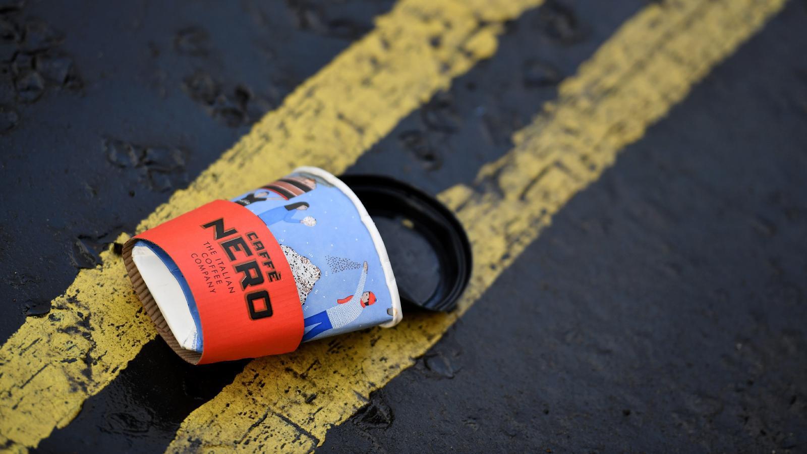 บริษัทอังกฤษไอเดียบรรเจิด  ใช้ขยะพลาสติกถึงขั้นไล่ออก