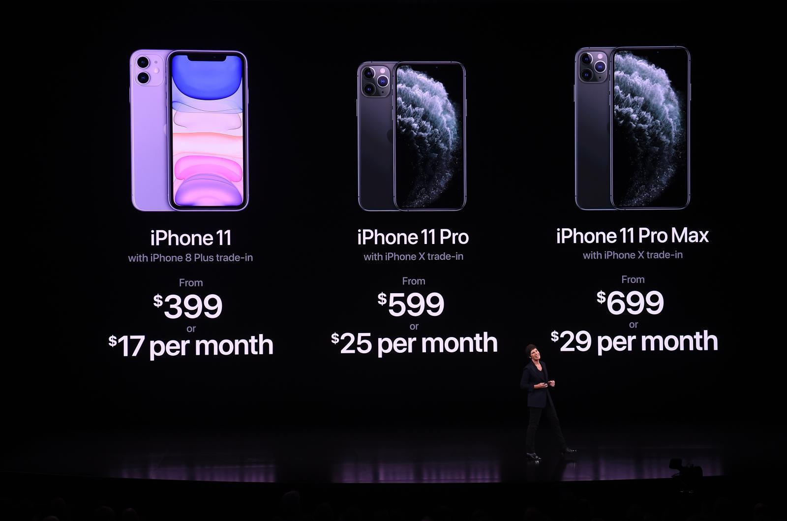 """""""แอปเปิล"""" เปิดตัวไอโฟน 11 ชูจุดเด่นกล้อง 3 ตัว"""