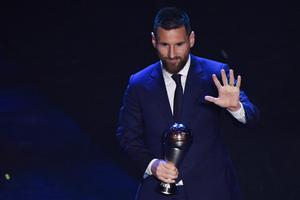 """""""เมสซี่"""" คว้านักเตะยอดเยี่ยม - """"คล็อปป์"""" คว้าผู้จัดการทีมยอดเยี่ยม The Best FIFA"""
