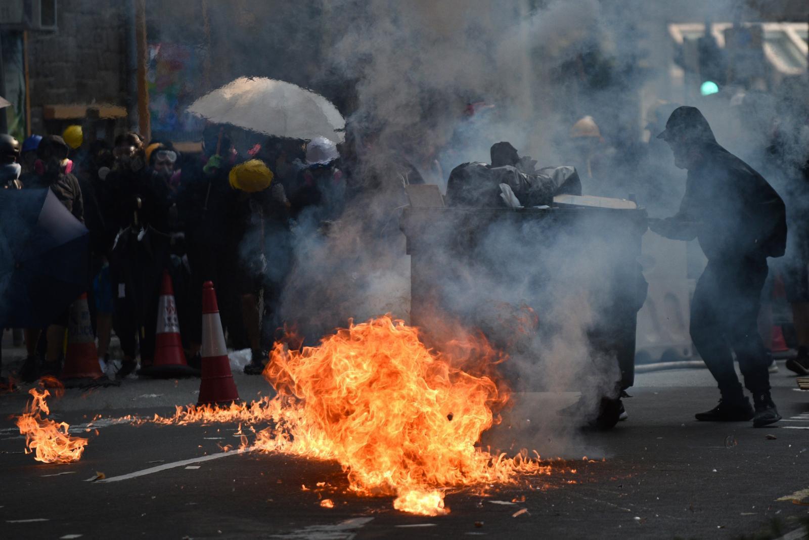 ตำรวจฮ่องกงเผยยิงม็อบเพราะถูกทำร้ายก่อน