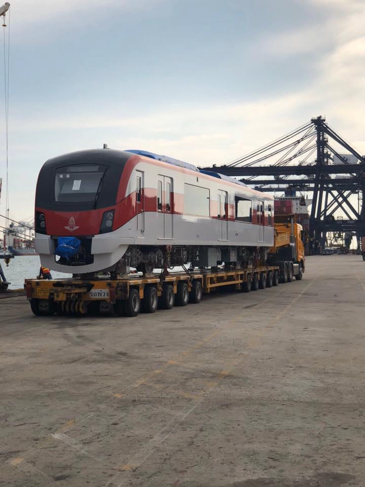ถึงไทยแล้ว! รถไฟสายสีแดง 2 ขบวนแรก รฟท.เตรียมทำพิธีต้อนรับ