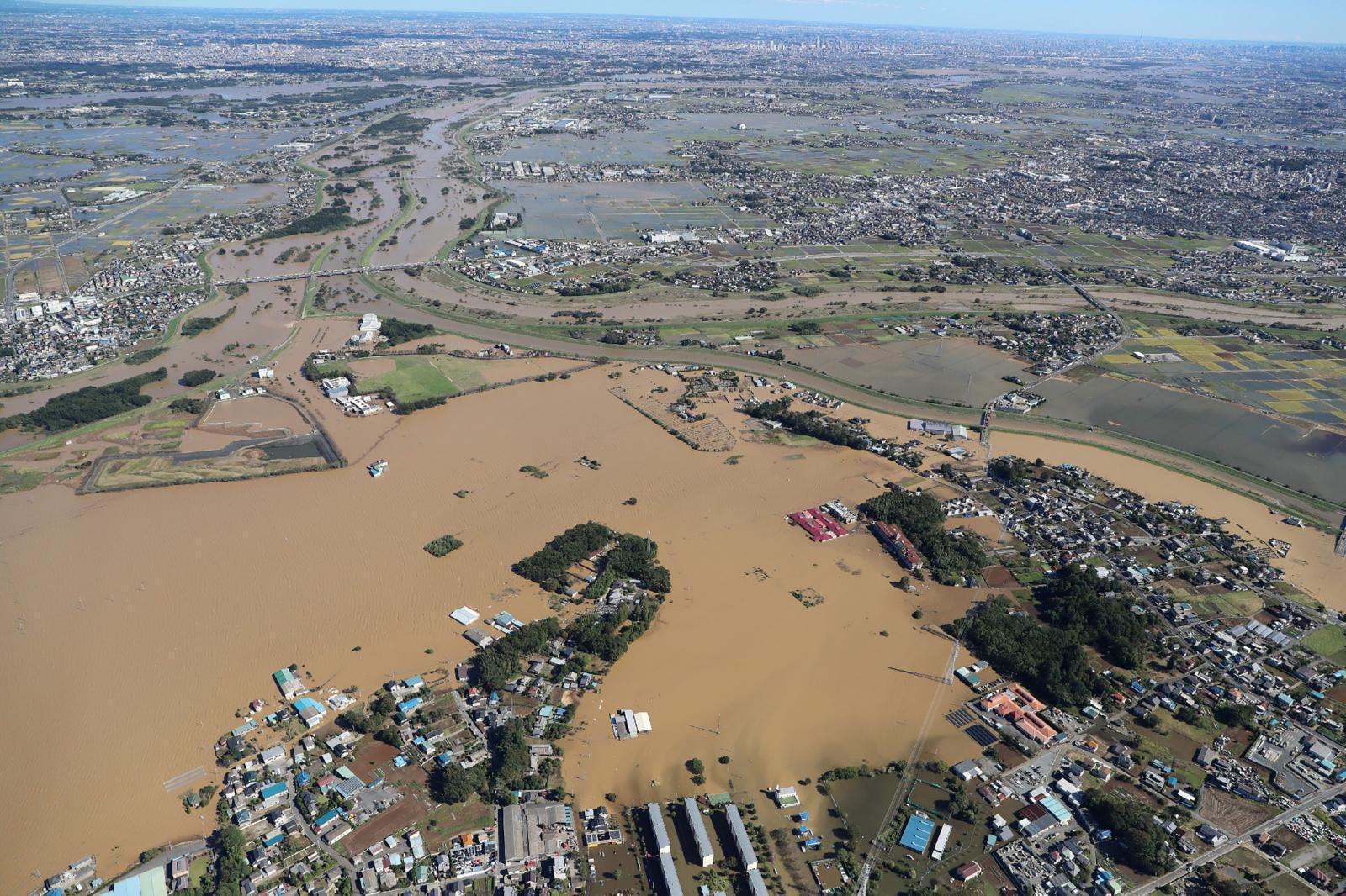 """รัฐบาลญี่ปุ่น จัดตั้งหน่วยงานเฉพาะกิจพิเศษ ใช้มาตรการทุกอย่างช่วยผู้ประสบภัย ไต้ฝุ่น """"ฮากิบิส"""