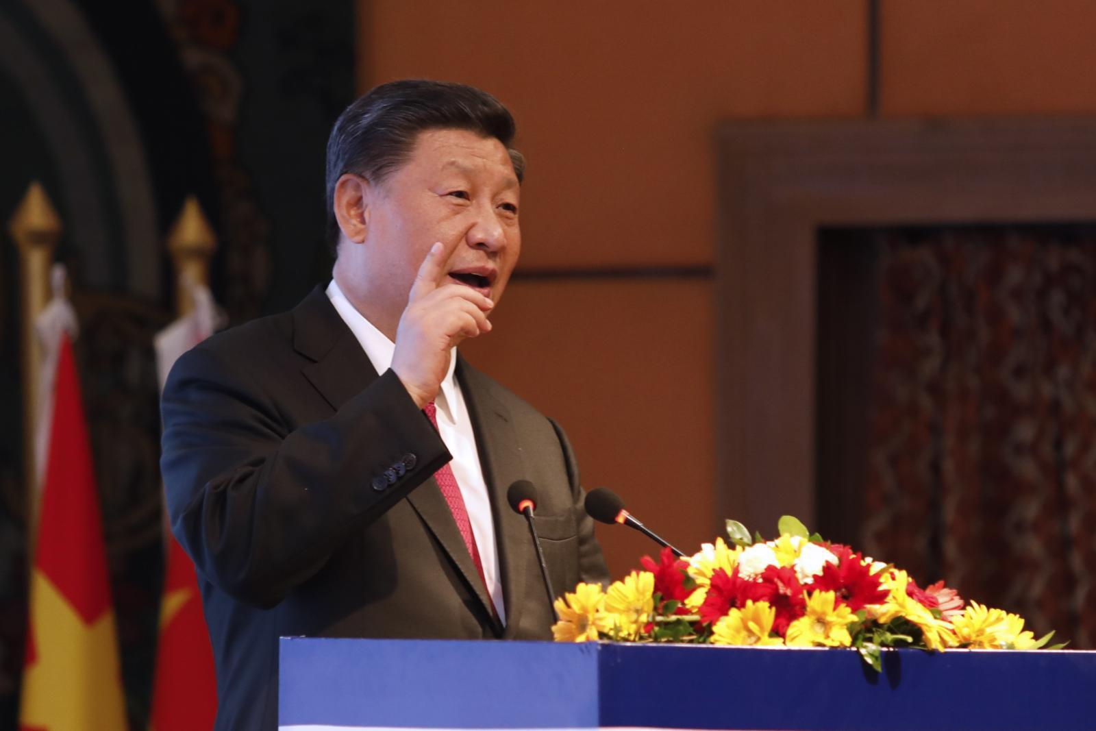 """""""สี จิ้นผิง"""" เตือนใครกล้าแบ่งแยกจีนจะถูกบดขยี้"""