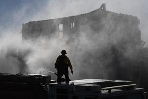 ไฟป่าแคลิฟอร์เนียลามหนัก อพยพ 50,000 คน