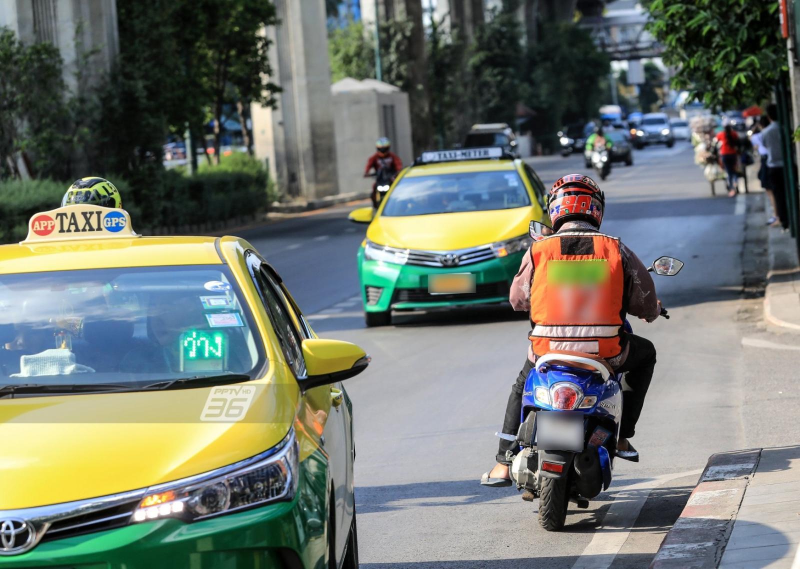 เปิดภาพตลอด 1 เดือน ปัญหา 'ขี่รถย้อนศร' 5 จุดหลักกรุงเทพฯ-ปทุมธานี ยังไม่เปลี่ยน!