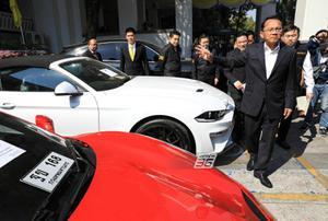 """""""สมศักดิ์"""" เผย ขยายผลคดี Forex 3D ยึดรถหรู 7 คัน มูลค่ากว่า 43 ล้าน"""