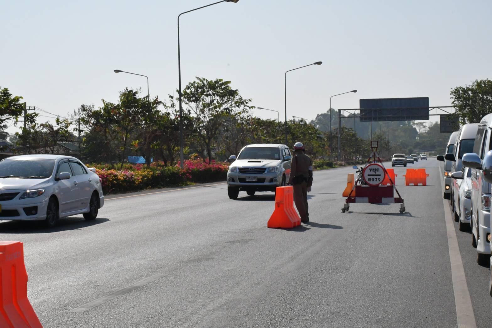 """""""อนุทิน"""" เผยข้อมูลอุบัติเหตุส่วนใหญ่ดื่มแล้วขับ 40% ขอคนไทยเที่ยวปีใหม่อย่างปลอดภัย"""