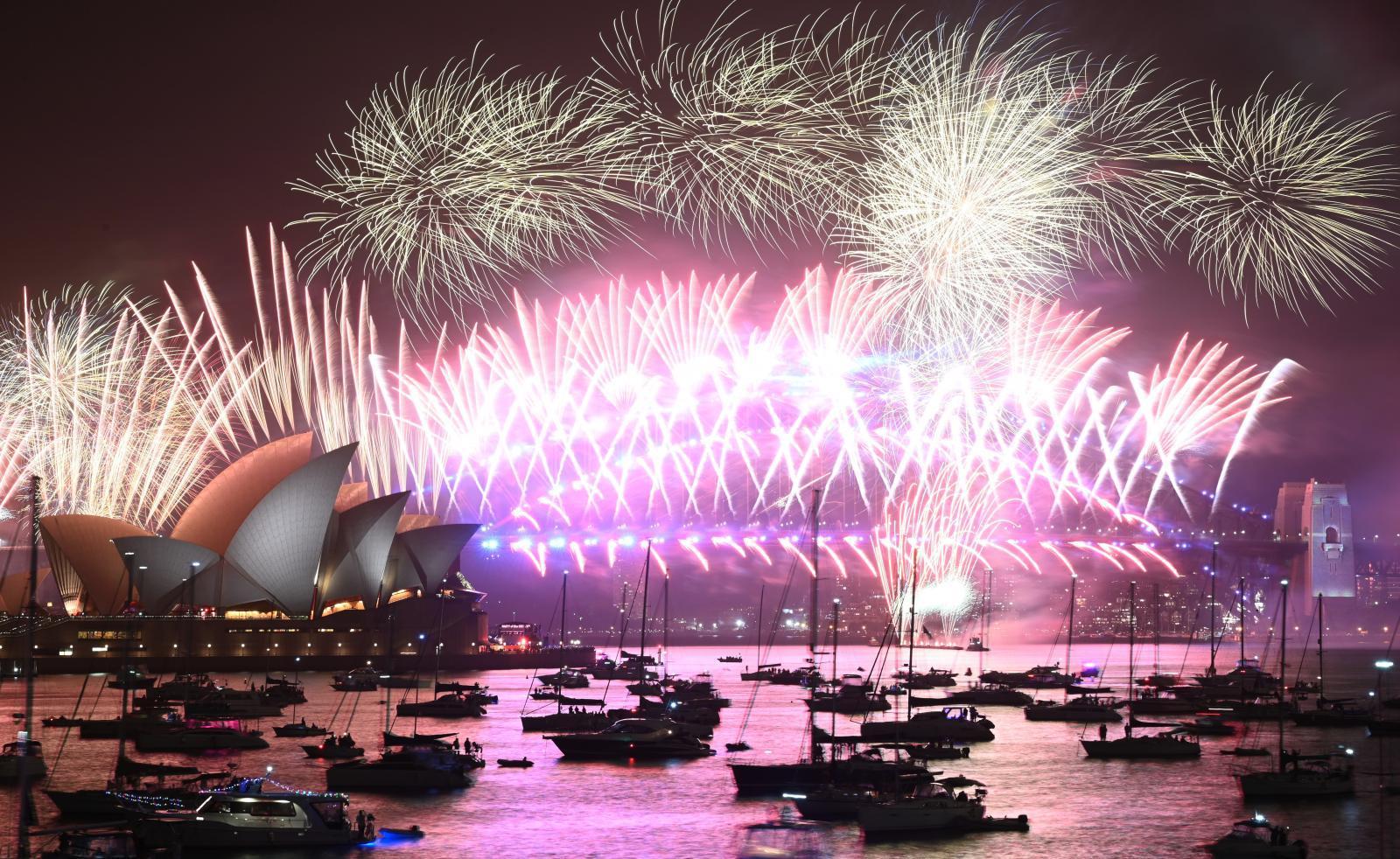 ออสเตรเลีย จุดพลุ 1 แสนลูก เฉลิมฉลองก้าวเข้าสู่ปี 2020