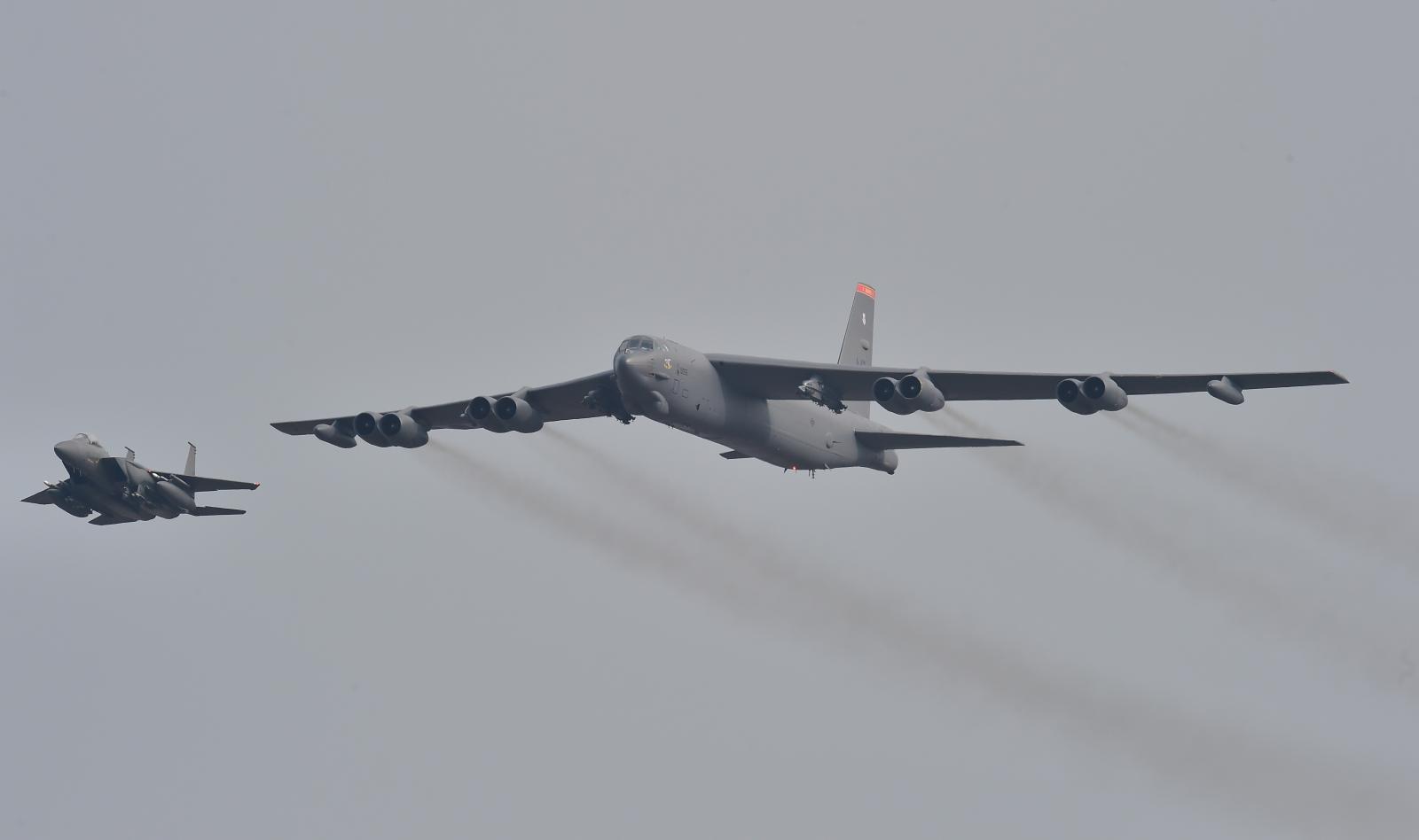 """สหรัฐฯส่ง """"เครื่องบินทิ้งระเบิด B-52"""" ไปมหาสมุทรอินเดีย เตรียมรับมืออิหร่าน"""