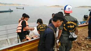 พบผู้เสียชีวิตครบ 5 ศพ เหตุเรือล่มในเขื่อนสิริกิติ์ หลังชนตอไม้