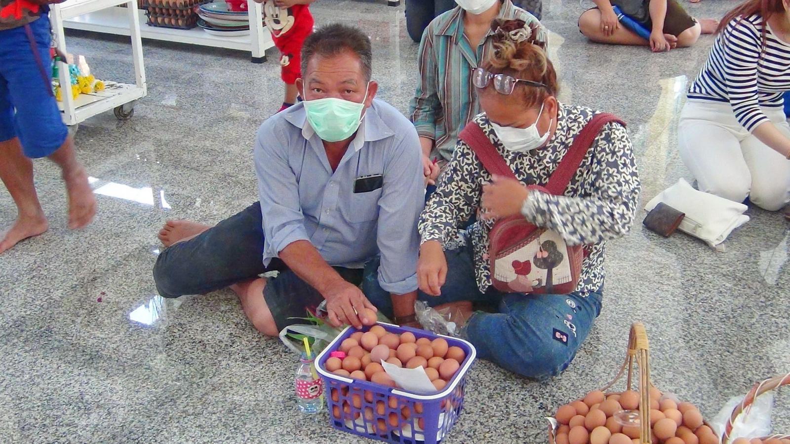 ดราม่าวัดดัง เอาไข่ไก่ 200,000 ฟองไปขาย หลังชาวจีนนำมาทำบุญ