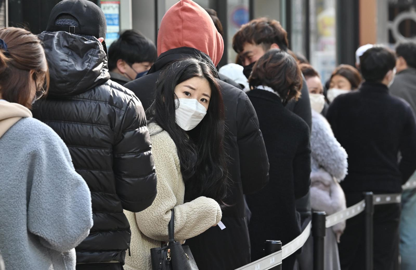 """เกาหลีใต้ ผู้ติดเชื้อ """"Covid-19"""" พุ่งเกือบ 600 ราย ในวันเดียว"""
