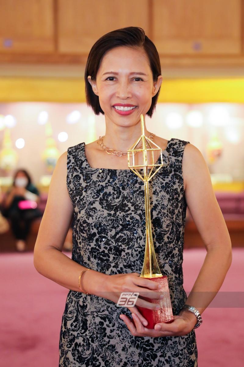 รอบโลก by กรุณา คว้ารางวัลในงานประกาศรางวัลโทรทัศน์ทองคำ