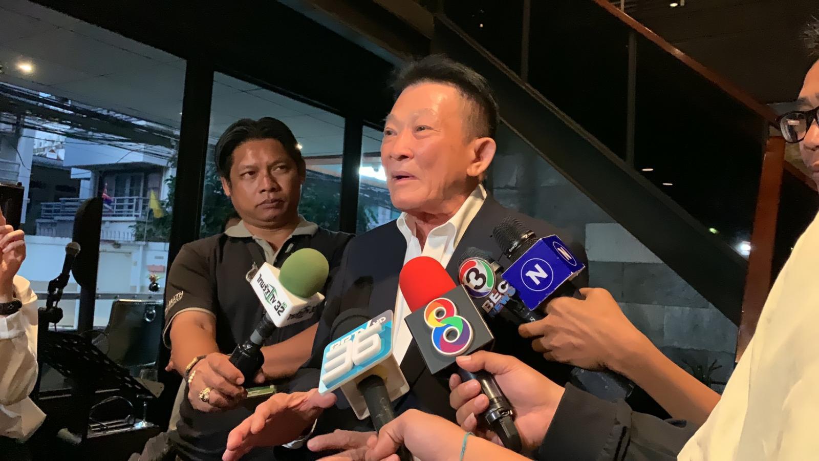 """""""สมพงษ์"""" ปัดเพื่อไทย แบ่งก๊ก ส.ส.ถกเถียงกันเป็นเรื่องปกติ"""