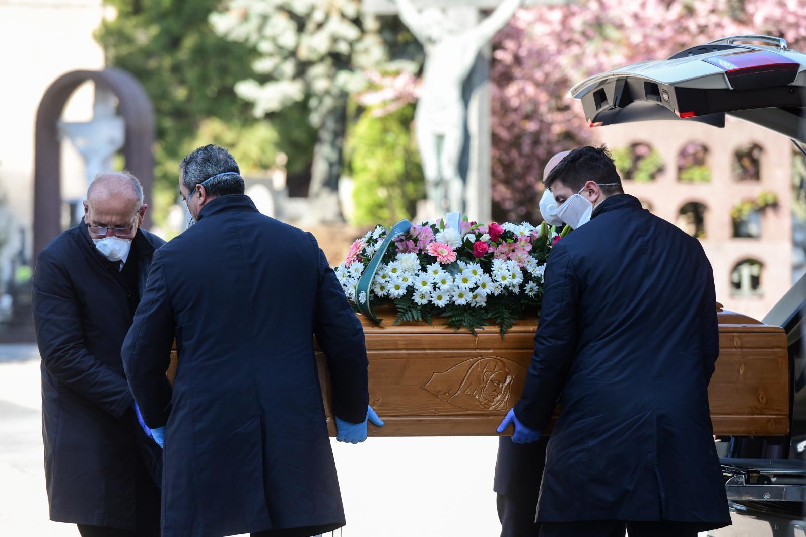 อิตาลีไร้ที่ฝังศพ หลังยอดผู้เสียชีวิตโควิด-19 พุ่ง