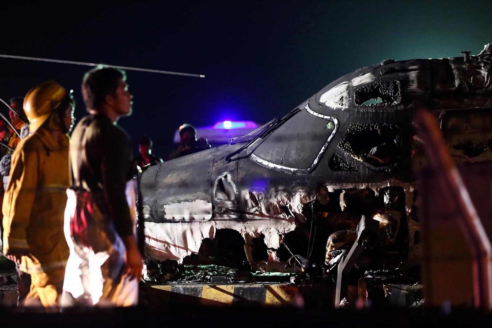 เครื่องบินขนผู้ป่วยระเบิดในสนามบินฟิลิปปินส์ ดับยกลำ 8 ศพ