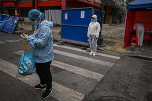 นักวิจัยจีนพบเชื้อโควิด-19 แพร่จากตัวผู้ป่วยไกลถึง 4 ม.