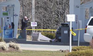 คนร้ายปลอมเป็นตำรวจกราดยิงนาน 12 ช.ม.ในแคนาดา ตายนับสิบ
