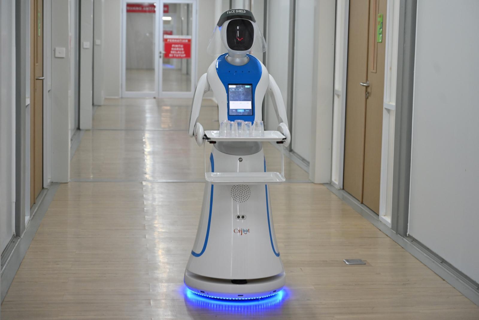 """บทบาทของ """"หุ่นยนต์ AI"""" จะมากขึ้นจากสถานการณ์ โควิด-19 ระบาด"""