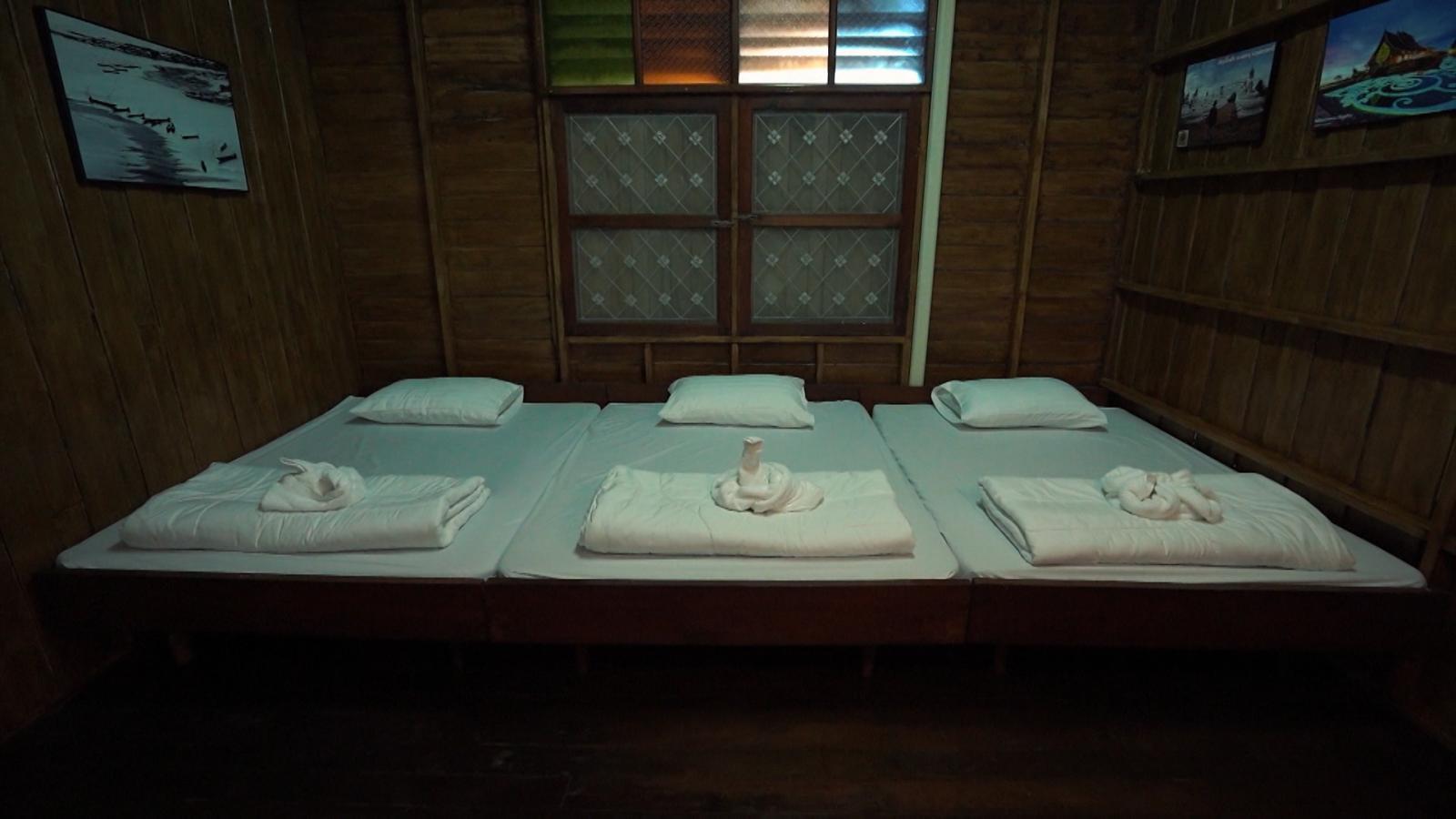 ดูเพลินๆ | โรงแรมโบราณ ห้องละ 15 บาท!! | เที่ยวให้สุด สมุดโคจร EP.29