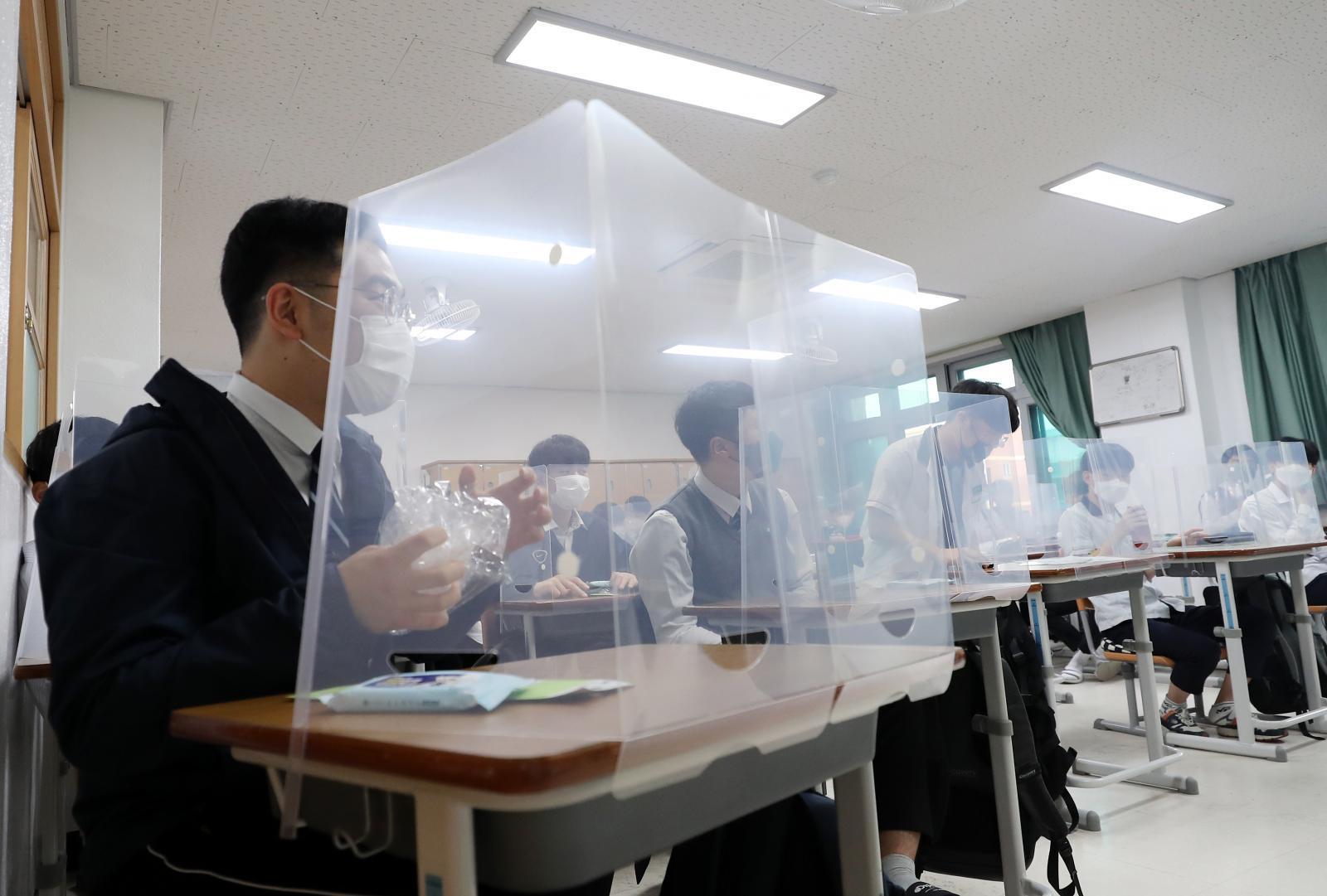 เกาหลีใต้พบผู้ติดเชื้อโควิด-19 พุ่ง รับเปิดเทอมวันแรก