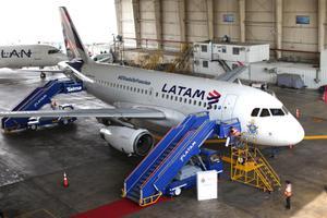"""""""ลาตัม"""" สายการบินยักษ์ใหญ่อเมริกาใต้ ยื่นล้มละลาย"""