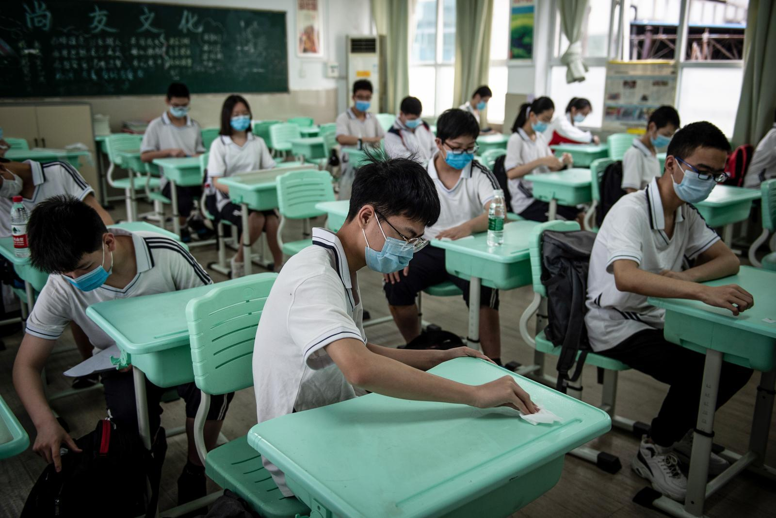 เด็กนักเรียนในจีนฆ่าตัวตายมากขึ้น หลังปลดล็อกดาวน์โควิด-19