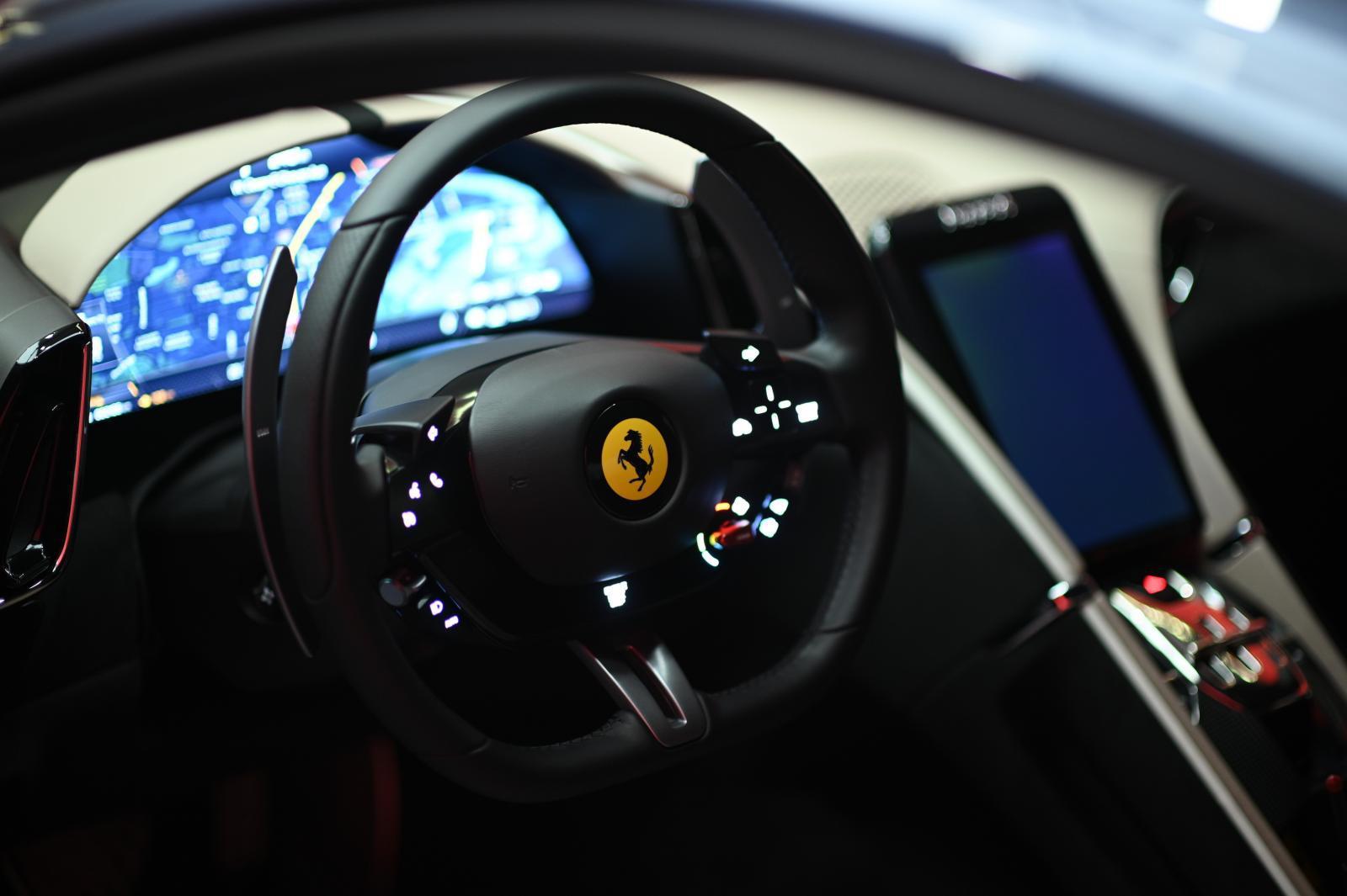 """บริษัทนำเข้ารถหรู เปิดตัว เฟอร์รารี่ โรมา แบบ """"New Normal"""""""