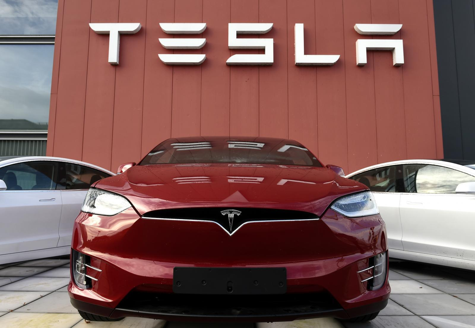 เทสลา  โค่นบัลลังก์ โตโยต้า ผงาดค่ายรถยนต์มูลค่าสูงสุดในโลก