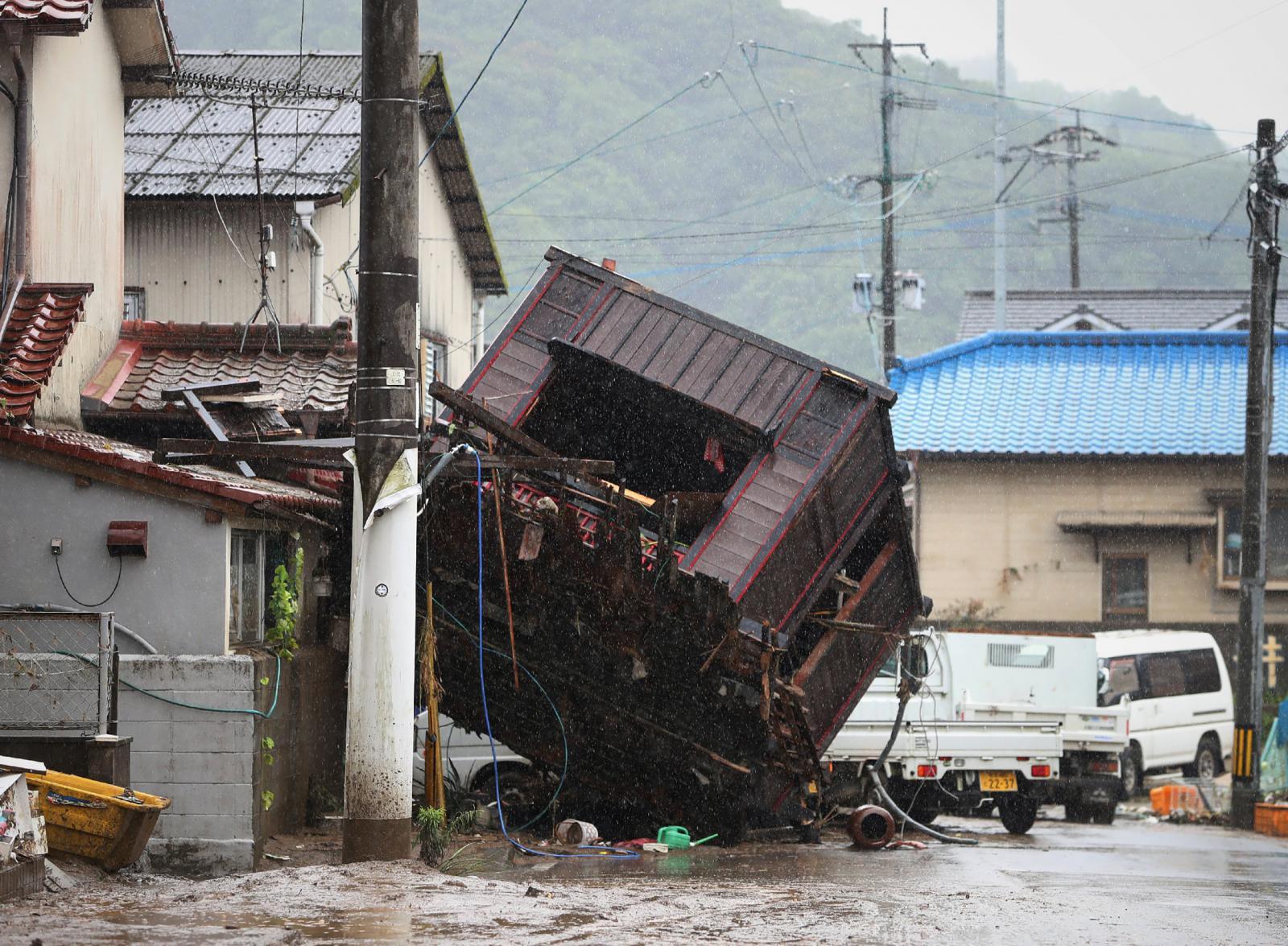 ญี่ปุ่นคาด มีผู้เสียชีวิตอย่างน้อย 40 ราย จากเหตุอุทกภัยครั้งใหญ่บนเกาะคิวชู