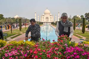 """อินเดีย สั่งระงับแผนเปิด """"ทัชมาฮาล"""" หวั่นโควิด-19 ระบาด"""