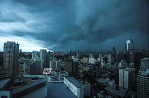 อุตุฯเตือน กรุงเทพฯระวังฝนตกร้อยละ 40 ของพื้นที่
