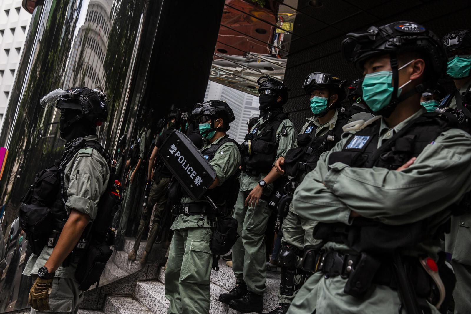 สื่อโซเชียลมีเดียหยุดให้ข้อมูลผู้ใช้แก่ตำรวจฮ่องกง