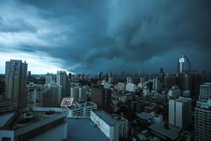 พยากรณ์อากาศวันนี้ อุตุฯ เตือน เหนือ-ตะวันออก-ใต้ ฝนตกหนัก